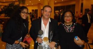 Lotfi Bouchouchi après sa consécration avec Neamet Allah Hassan, la doyenne des critiques égyptien