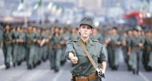dia-femme-algerienne-militaire