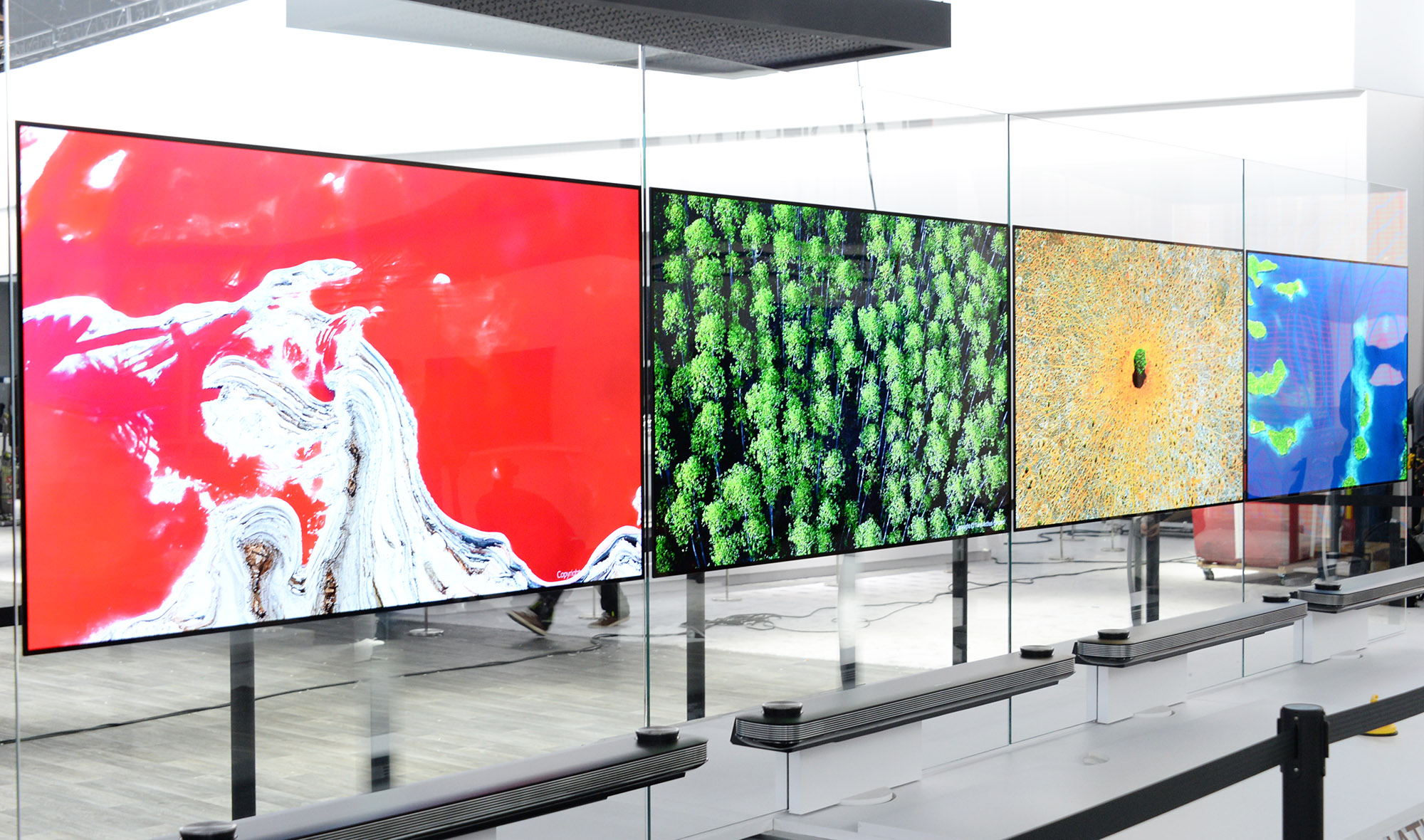DIA-LG SIGNATURE OLED TV W