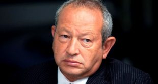 Egyptian billionaire Naguib Sawiris, pauses during a Bloomberg Television interview in London, U.K., on Thursday, May 24, 2012. Sawiris said heÕd be willing to sell his Telekom Austria AG  stake to Carlos SlimÕs America Movil  SAB if the Austrian government is uncooperative. Photographer: Simon Dawson/Bloomberg *** Local Caption *** Naguib Sawiris