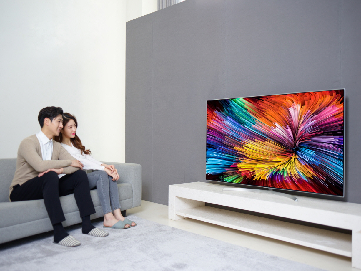 DIA-SUPER UHD TV