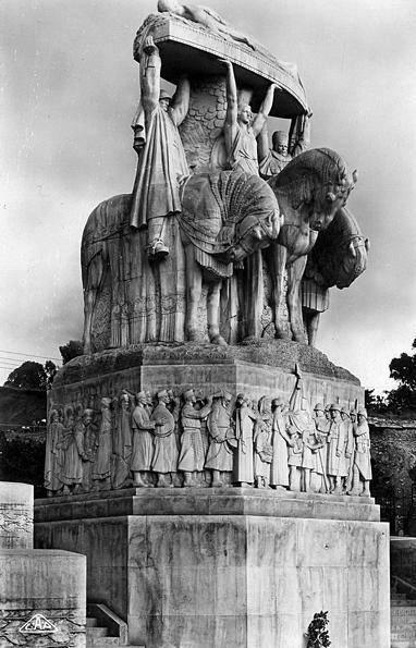 DIA-Monument au mort a