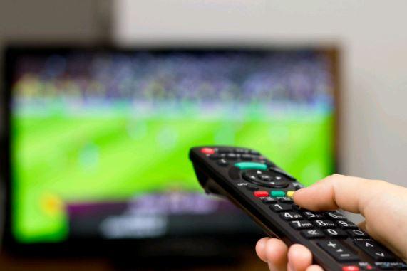 dia-regardez-television